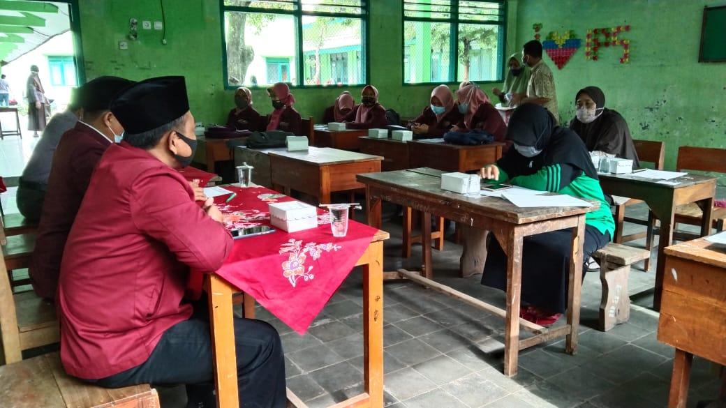 Pembukaan PPL Kelompok 4 di MA Al Khidmah Ngronggot